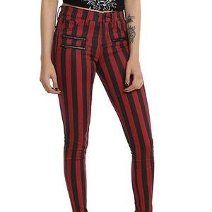 Black & Red Stripe Zipper Stingerette Jeans